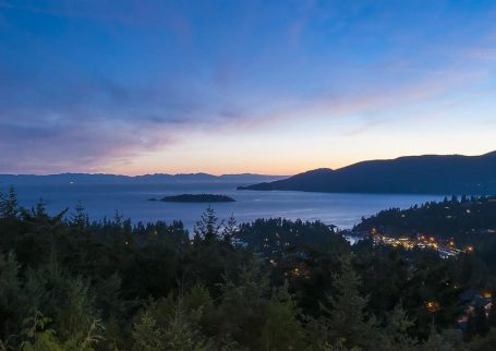 Luxury House, Cypress Park Estates West Vancouver, with view and pool