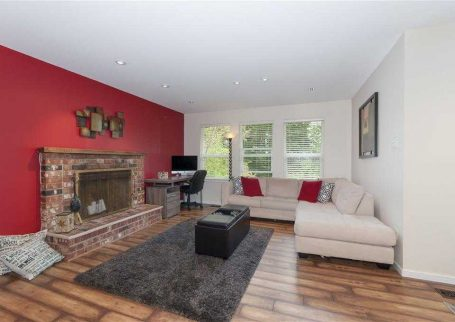 Family Friendly House Overlooks a Greenbelt in North Vancouver