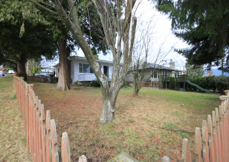 Beautiful recently renovated 4 BR house in Calverhall, North Vancouver