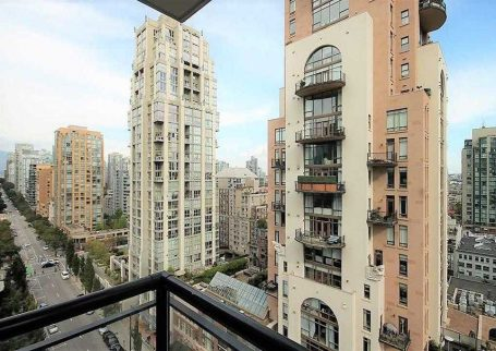 Spacious  2 BR 2 bath CORNER SUITE at Oscar with balcony and pantry in Yaletown