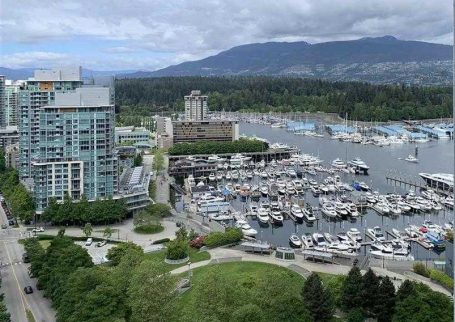 Luxury Furnished 2 BR 2 Bath water front condo in Coal Harbour