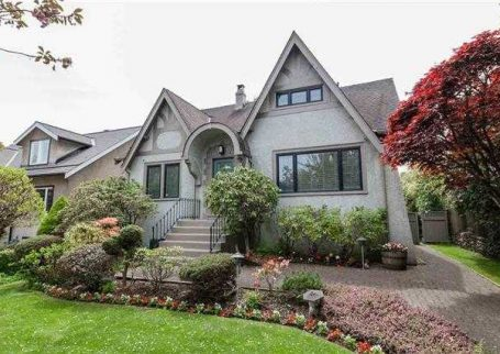 Architectural masterpiece 5 Bedroom house in MacKenzie Heights, Vancouver